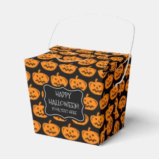 Boîte de cadeau de citrouille de des bonbons ou un ballotins