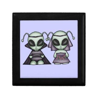 Boîte de souvenir d'aliens de mariage petite boîte à bijoux carrée