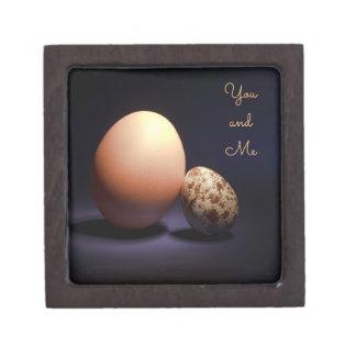 Boîtes À Bijoux De Première Qualité Oeufs de poulet et de caille dans l'amour. Texte