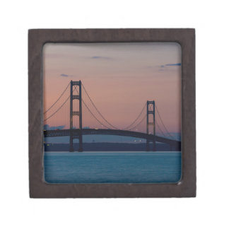 Boîtes À Souvenirs De Première Qualité Pont de Mackinac au crépuscule