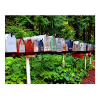 Boîtes aux lettres multiples dans une rangée cartes postales