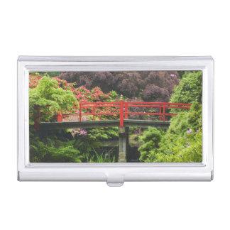 Boîtier Pour Cartes De Visite Pont de coeur avec les rhododendrons de floraison,