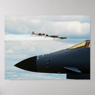 Bombardier B-1 et combattants de 2ÈME GUERRE Poster