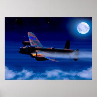 Bombardier de Lancaster retournant à la maison Posters