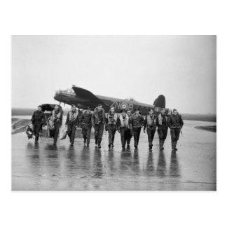 Bombardier RAF de Lancaster de l'équipage aérien Carte Postale