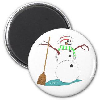 Bonhomme de neige avec le chapeau et le balai aimants