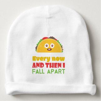 Bonnet De Bébé De temps à autre je tombe taco à part drôle mardi