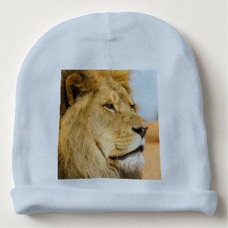 Bonnet De Bébé Grand lion regardant loin