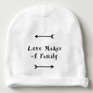 Bonnet De Bébé L'amour fait une famille - adoption Parenting