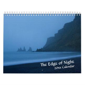 Bord de calendrier de crépuscule de nuit