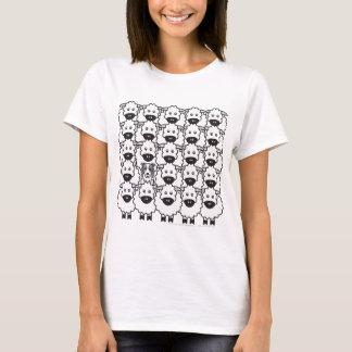 Border collie chez les moutons t-shirt