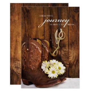 Bottes de cowboy, marguerites et invitation de