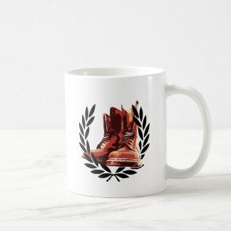 bottes de peaux mug