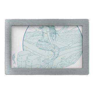 Boucles De Ceinture Rectangulaires Sirène se reposant sur le dessin de bateau