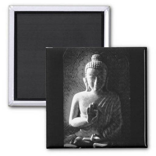 Bouddha découpé par monochrome aimant