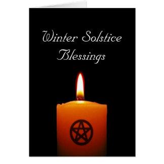 Bougie païenne de solstice d'hiver avec la carte