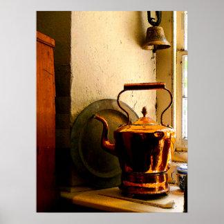 Bouilloire de thé de cuivre sur Windowsil Posters