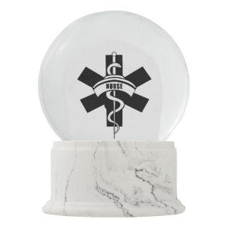 Boule À Neige Symbole médical de RN d'infirmières