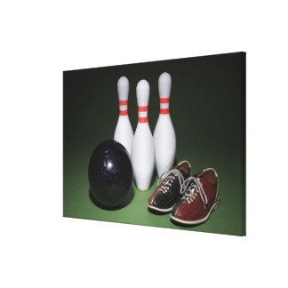 Boule de bowling toiles tendues sur châssis