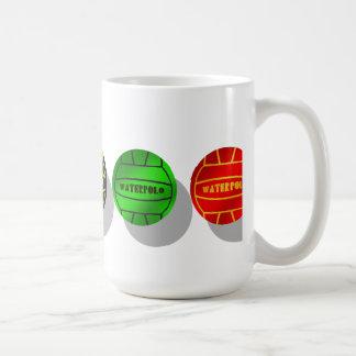 Boule de joueurs de polo d'eau et de joueurs de mug
