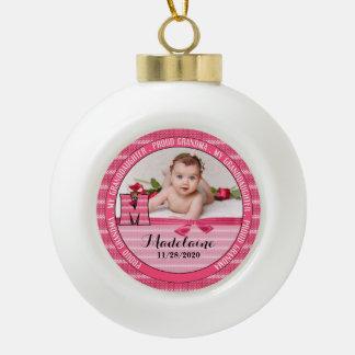 Boule En Céramique Bébé fier du monogramme M de grand-maman nouveau