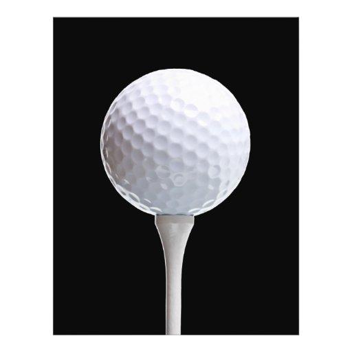 Boule et pièce en t de golf sur le noir - modèle c prospectus personnalisés