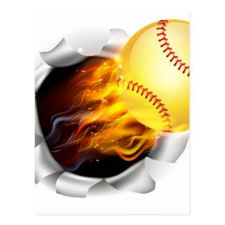 Boule flamboyante du base-ball déchirant un trou cartes postales