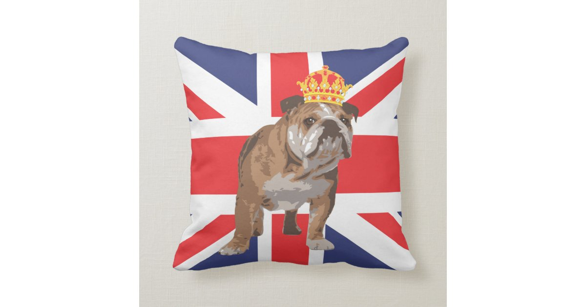 bouledogue anglais avec la couronne et le coussin. Black Bedroom Furniture Sets. Home Design Ideas