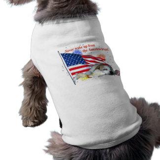 Bouledogue anglais - rêve américain t-shirt pour chien