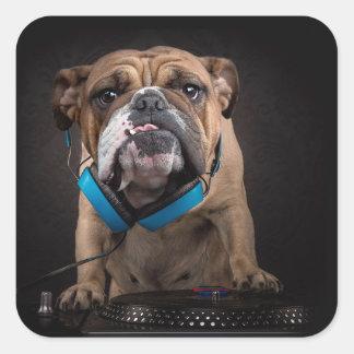 bouledogue DJ - le DJ poursuivent Sticker Carré