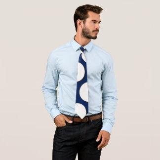 Boules blanches cravates