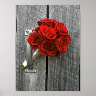Bouquet et Barnwood de rose rouge Poster