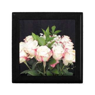 Bouquet rose crème de roses boîte à souvenirs
