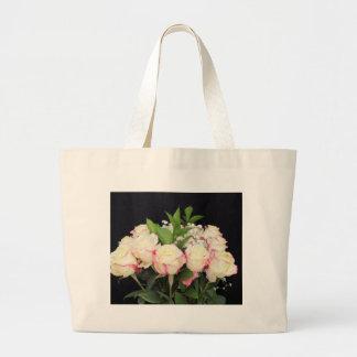Bouquet rose crème de roses grand sac