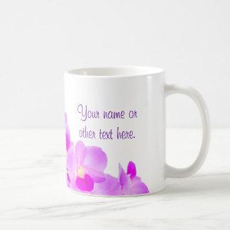 Bouquet rose d'orchidée mug blanc