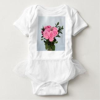 Bouquet vibrant de beaux roses roses body