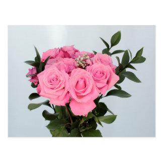 Bouquet vibrant de beaux roses roses cartes postales