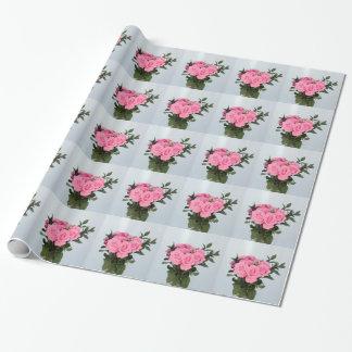 Bouquet vibrant de beaux roses roses papiers cadeaux noël