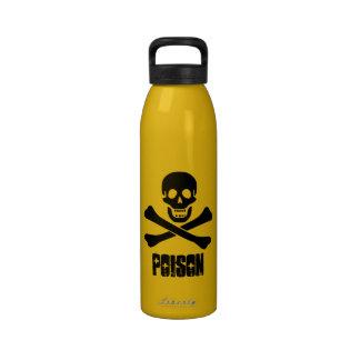 Bouteille d'eau de poison