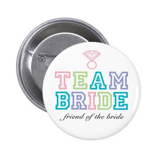 Bouton de jeune mariée d'équipe pin's