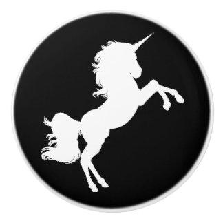 Bouton De Porte En Céramique La licorne noire et blanche tient le premier rôle