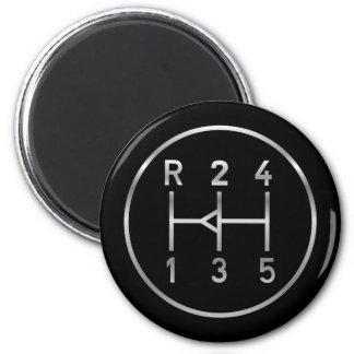 Bouton de vitesse de voiture de sport, motif de magnet rond 8 cm