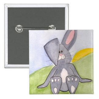 Bouton ensoleillé de lapin badge carré 5 cm