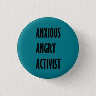 Bouton fâché soucieux d'activiste pin's