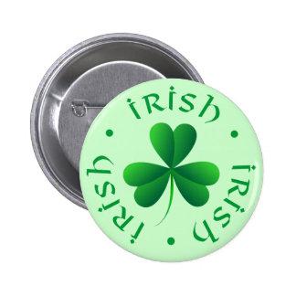 Bouton irlandais de shamrock badge