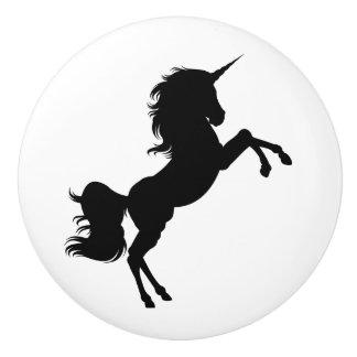 Bouton noir et blanc de conte de fées de licorne