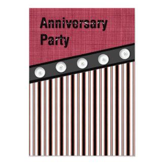 Boutonnez en bas de l'anniversaire noir blanc carton d'invitation  12,7 cm x 17,78 cm