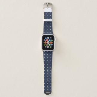 Bracelet Apple Watch Monogramme. Coeurs roses de polka sur le bleu