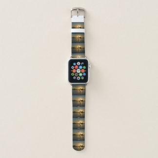 Bracelet Apple Watch Montre gris-clair à la mode de bateau à voile du