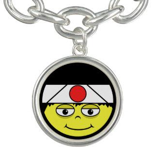 Bracelet Avec Breloques Le Japon font face